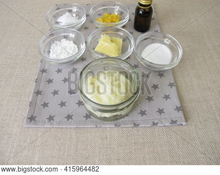 Homemade Eco-friendly, Aluminum-free Deodorant In A Glass Jar