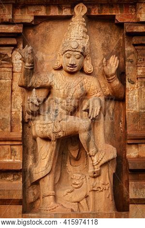 Brihadishwara Temple entrance guard statue, Tanjore