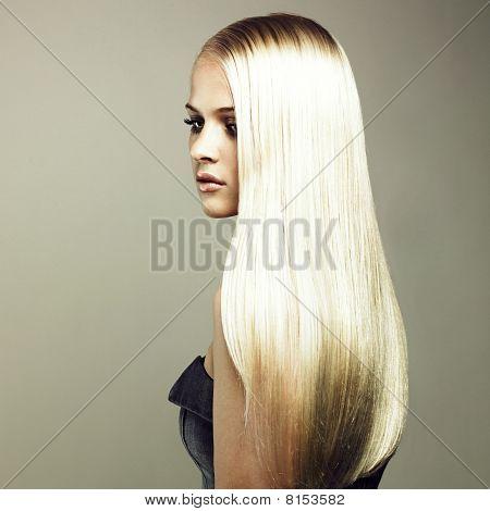 schöne Frau mit herrlichen Haar