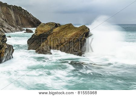 Waves and rocks (oleaje y rocas)