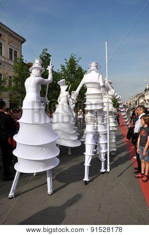 Artist On Stilts, Street Theater