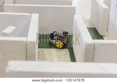 Self-made Robot In A Maze