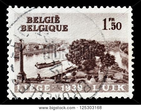 BELGIUM - CIRCA 1939 : Cancelled postage stamp printed by Belgium, that shows Liege.
