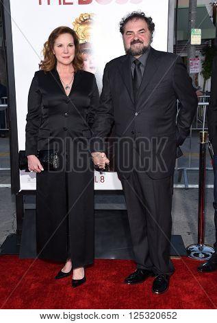 LOS ANGELES - MAR 28:  Elizabeth Perkins & Julio Macat arrives to the