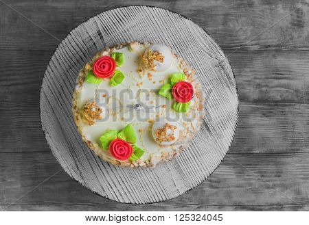 Cream Biscuit Cake With Roses