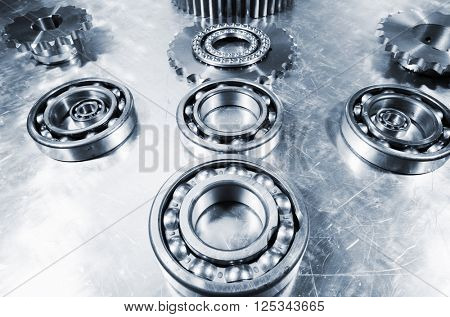ball-bearings in titanium against aluminum
