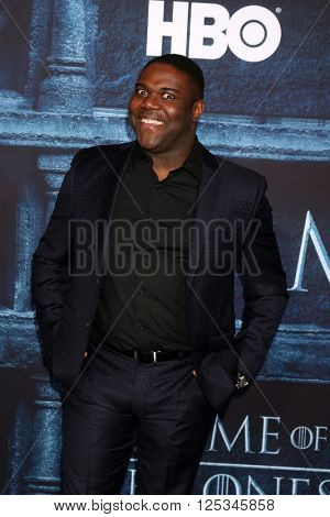 LOS ANGELES - APR 10:  Sam Richardson at the Game of Thrones Season 6 Premiere Screening at the TCL Chinese Theater IMAX on April 10, 2016 in Los Angeles, CA