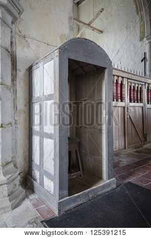 SAINT GEORGE'S CHURCH, IVYCHURCH, ROMNEY MARSH, KENT, UK, 25TH FEBRUARY 2016 - An 18th century hudd or grave shelter. Used by the parson for burials to shelter from the rain before the invention of the umbrella