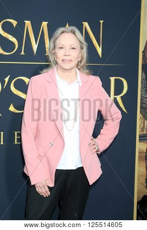LOS ANGELES - APR 11:  Faye Dunaway at the The Huntsman Winter's War American Premiere at the Village Theater on April 11, 2016 in Westwood, CA