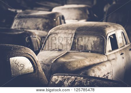 Cars - Old dusty cars waiting for better times