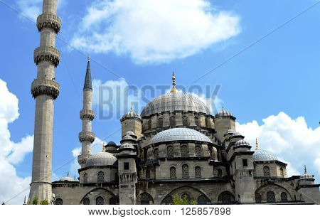 New mosque (Yeni cami) The picture shows a mosque - New mosque (Yeni cami) in Istanbul.