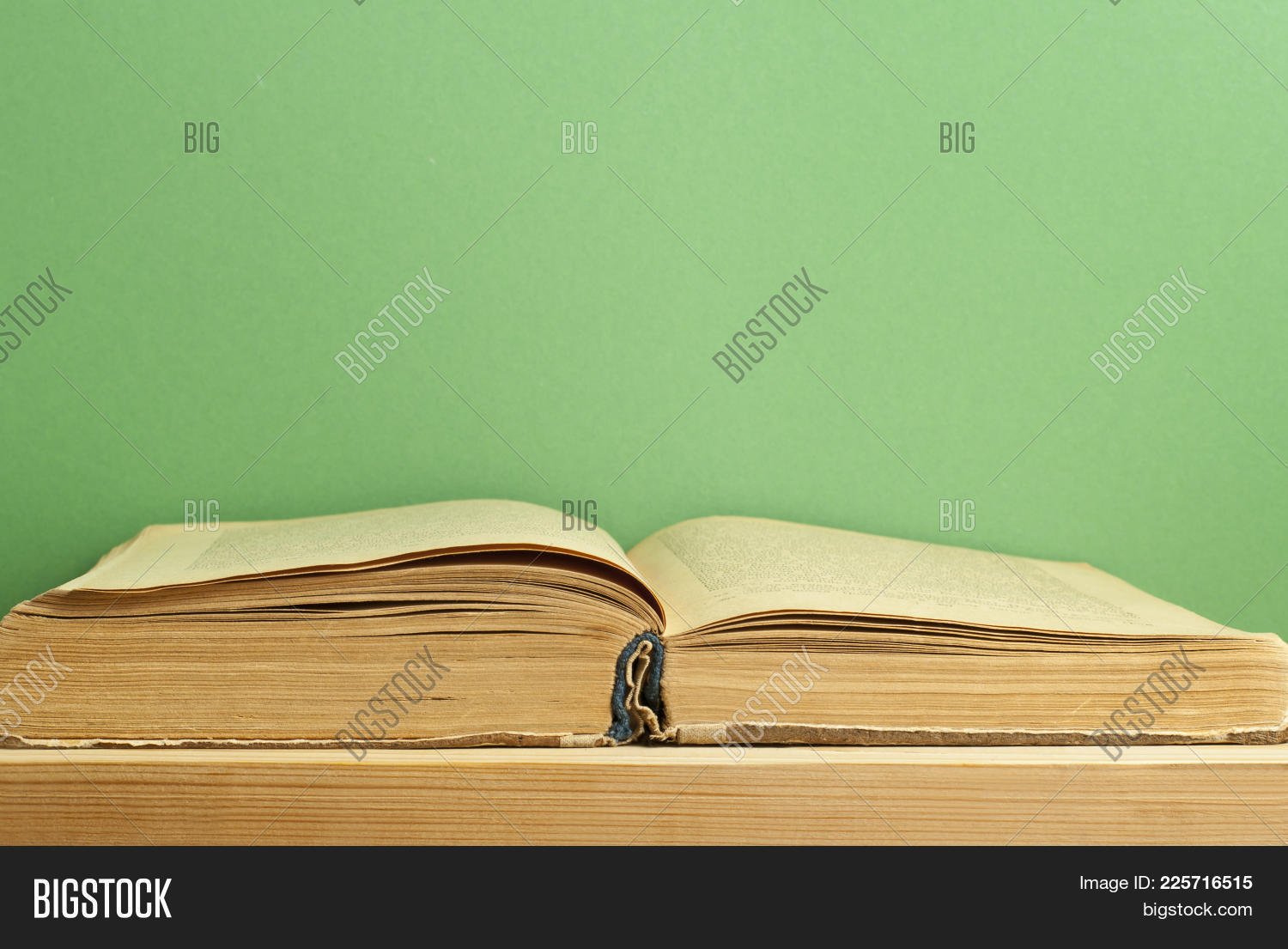 Certificate Old Open Book Powerpoint Template Certificate Old Open