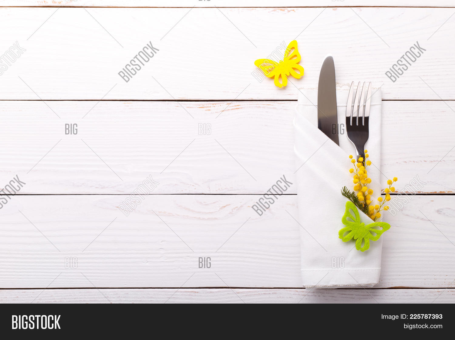 Anniversary Spring Table Setting Powerpoint Template Anniversary