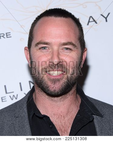 LOS ANGELES - JAN 20:  Sullivan Stapleton arrives for the EW Magazine honors SAG Nominees on January 20, 2018 in West Hollywood, CA