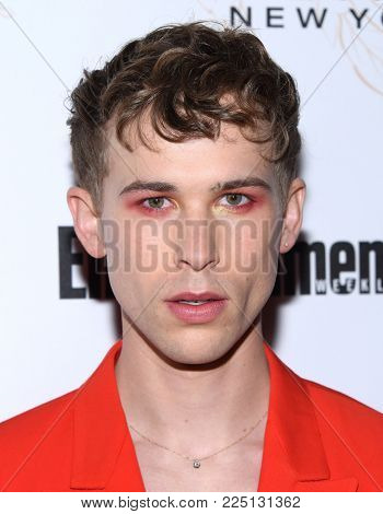 LOS ANGELES - JAN 20:  Tommy Dorfman arrives for the EW Magazine honors SAG Nominees on January 20, 2018 in West Hollywood, CA