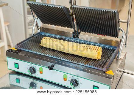 Preparation of shawarma on an electric furnace