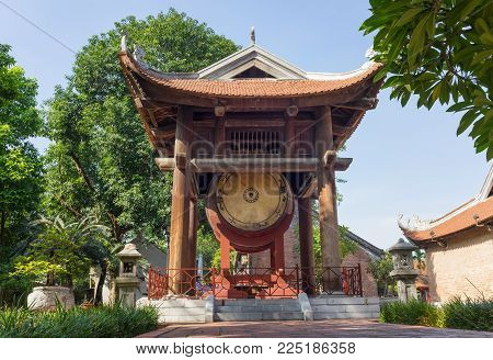Square building holding a drum on side of Imperial Academy on fifth courtyard in Temple of Literature (Van Mieu).The drum is 2.01 metres wide, 2.65 metres high, has a volume of 10 m3
