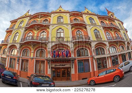 ORADEA,ROMANIA-JANUARY 27,2018:Hotel Astoria (former Sztarill Palace) located in Ferdinand Square.In 1902, architect Ferenc Sztarill began building.First floor dwellings,ground floor Emke coffee shop.