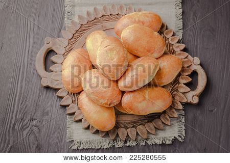 meat pies,brioche with meat,homemade buns,grandmother's rolls,classic buns,meat bun