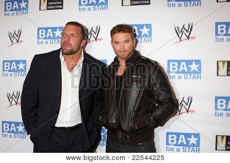 LOS ANGELES - AUG 11:  Triple H, Kellan Lutz arriving at the