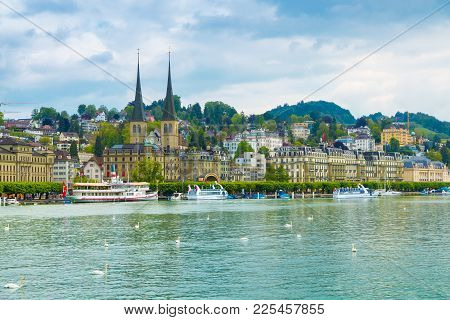Lucerne, Switzerland - May 15, 2016: Cityscape Of Lucerne Along Lake Lucerne And The Reuss River. Lu