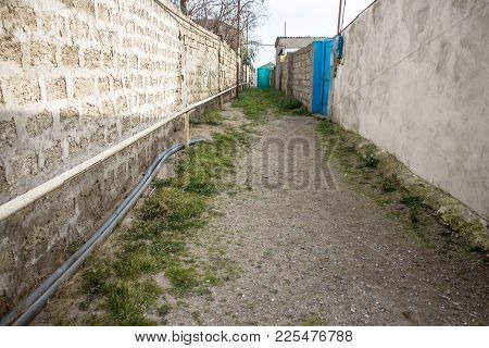 Walkway, Corridor, Lane, A Narrow Passage Between The Fences, The Arch Between The Houses