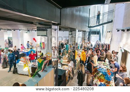 Moscow, Russia-may 25, 2017: Cheese Market  Full Of Locals And Tourists On One Of The Flacon Design