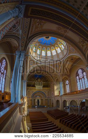 Oradea, Romania - January 27, 2018: Inside Of The Neolog Synagogue Zion. Built Between 1877-1878 In