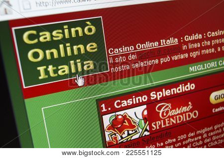 Cleckheaton, West Yorkshire, Uk: Website On Computer Screen Showing Italian Online Casino Gambling,