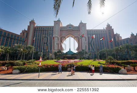 Dubai, United Arab Emirates - 02 Jan, 2018: The Front Of The World Famous Atlantis, The Palm Hotel O