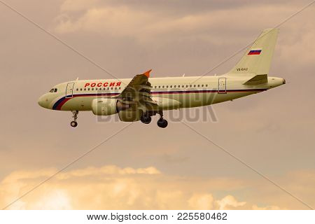 Saint Petersburg, Russia - May 17, 2016: The Airbus A319-111 (vq-bau)  Of The Rossiya Airline Comes