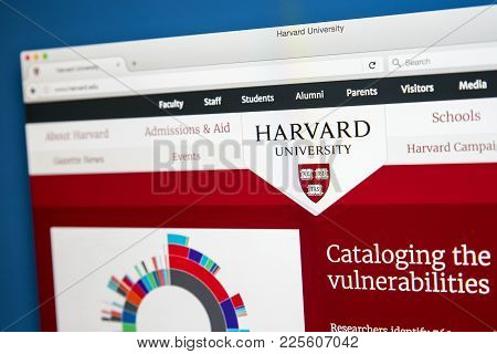 London, Uk - August 7th 2017: The Homepage Of The Official Website For Harvard University - Located