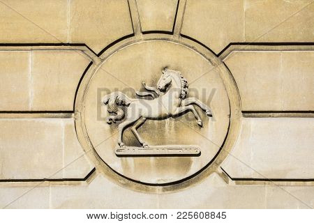 Dorchester, Uk - August 15th 2017: The Logo Above The Entrance To A Lloyds Bank Branch In Dorchester