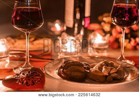 Romantic Dinner For Two With Wine,candles, Flowers