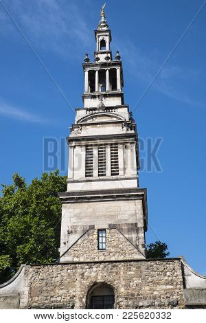 London, Uk - August 11th 2017: The Tower Of The Historic Christchurch Greyfriars In The City Of Lond