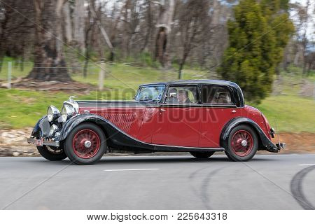 Adelaide, Australia - September 25, 2016: Vintage 1935 Bentley Derby 3.5l Saloon Driving On Country