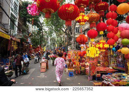 Hanoi, Vietnam - Jan 26, 2017: Hang Ma Street A Few Days Before Vietnamese Lunar New Year, Is Beauti