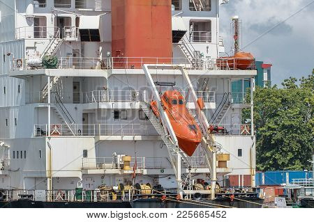 Labuan,malaysia-feb 2,2018:view Of Free-fall Life Boat For Emergency Crew Evacuation Installed On Ca