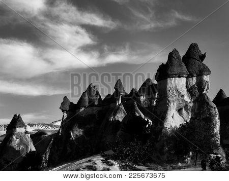 Kapadokya,zelve Paşabağ Da Bulunan Kayalar (sonbahar Dönemi)