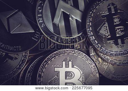 Horizontal Desaturated Top View Closeup Of Litecoin Ethereum And Bitcoins Metallic Pile Of Coins Tex