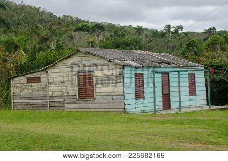 Wooden Shack Living Quarters In Cuba Caribbean
