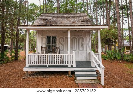 Largo, Florida - January 14, 2015 : Boyer Cottage In The Pinellas County Heritage Village. Built In
