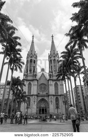 Sao Paulo, Brazil - Ocotober 17, 2015: Vertical Picture Of Se Cathedral In Black And White Colors In