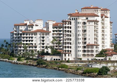 Fisher Island Residential District Where Residents Has The Highest Per Capita Income In The United S