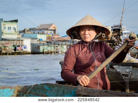 Can Tho, Vietnam, December 30, 2016: Unidentified Woman At Floating Market In Mekong River Delta, Is