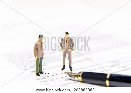 Businessman Partners Miniature People Figure Sign Contract And Agreement Standing On The Agreement C