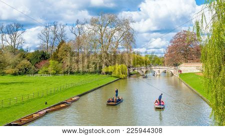Cambridge, United Kingdom - June 17: People Punting On River Cam On A Bright Sunny Summer Weekend, C
