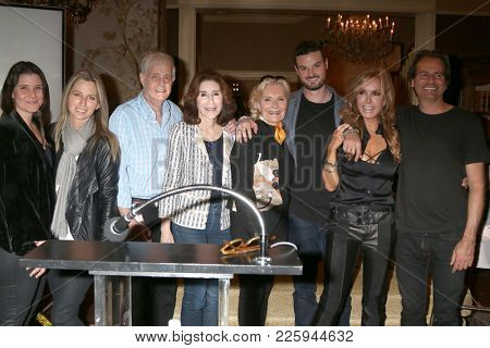 LOS ANGELES - FEB 2:  Tracey Bregman, friends at the Tracey Bregman 35th Anniversary on the Young and the Restless at CBS TV City on February 2, 2018 in Los Angeles, CA