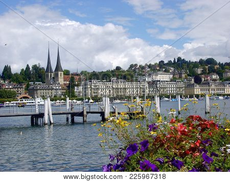 Historic City Center Of Lucerne And Lake Lucerne (vierwaldstattersee), Luzern, Switzerland
