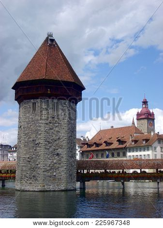 Historic City Center Of Lucerne With Beautiful Chapel Bridge And Lake Vierwaldstattersee, Luzern, Sw